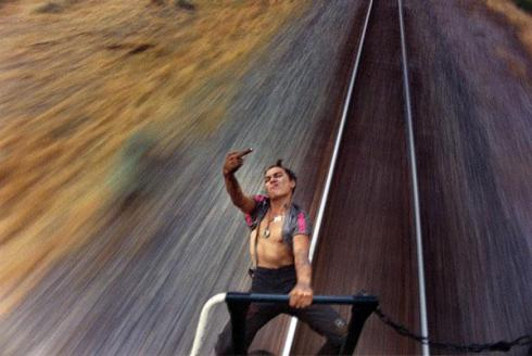 xPhotographer-Mike-Brodie-Captures-Freight-Train-Hitchhikers-20_1.jpg.pagespeed.ic_.ifVDEDBdqn