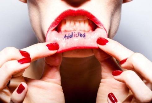 tattoo-lips-addicted-berlin-oliver-rath-img-1336b-468x688