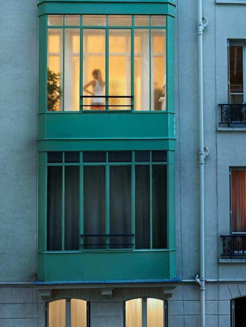 Gail-Albert-Halaban-Cour-des-Petites-écuries-Paris-grainedephotographe